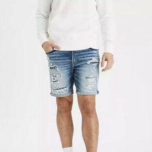 Men's American Eagle distressed shorts